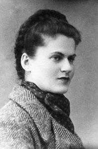 MILA RACINE (1919-1945)